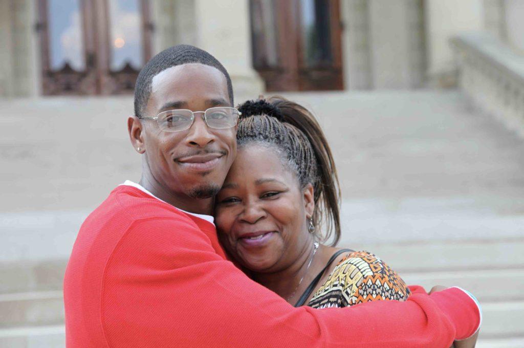Danya Davis and mom low res